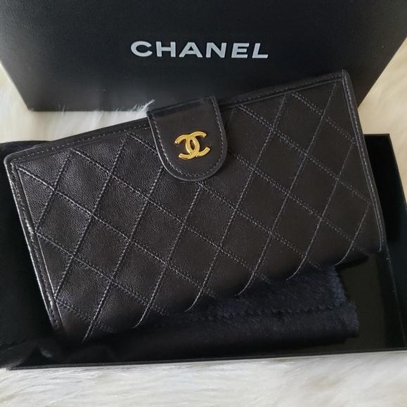 a1d5966f5841 CHANEL Bags | Auth Lambskin Kisslock Wallet | Poshmark
